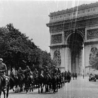 Сколько врмени продержалась Франция против фашистской Германии