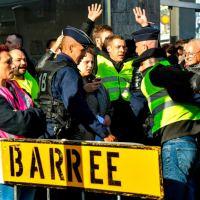 """Судебный процесс: """"жёлтые жилеты"""" против полицейских, или как работает французское правосудие"""